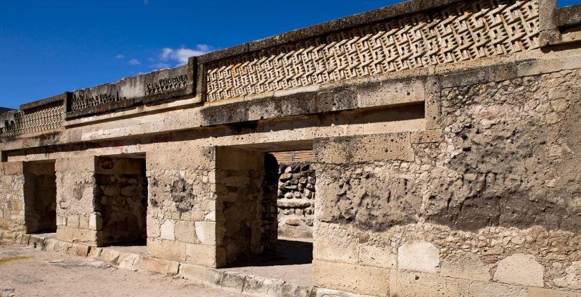 actividades-principales_oaxaca_san-pablo-villa-de-mitla_recorrido-por-la-zona-arqueologica-de-san-pablo-villa-de-mitla_01
